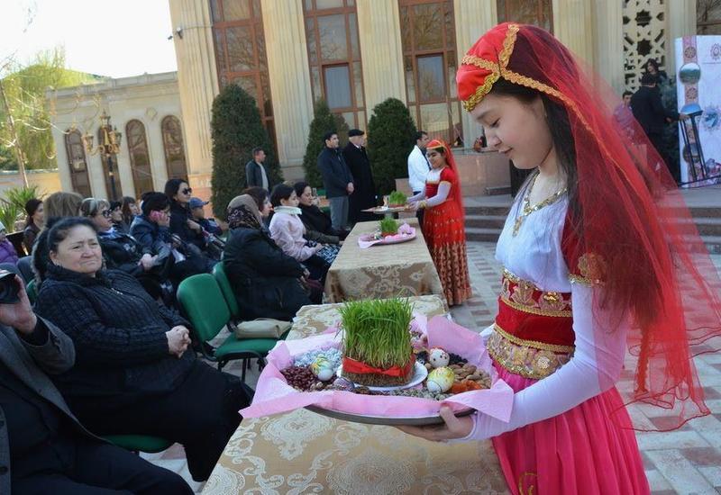 """В Узбекистане в Азербайджанском Культурном Центре состоялся грандиозный праздник Новруз <span class=""""color_red"""">- ФОТО</span>"""