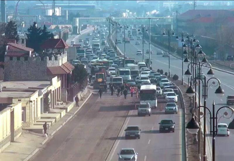 Вниманию водителей! На крупном проспекте Баку ликвидировали разворот