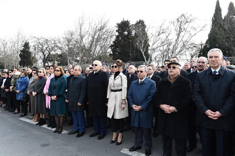 Президент Азербайджана Ильхам Алиев и Первая леди Мехрибан Алиева приняли участие во всенародных празднествах по случаю Новруза
