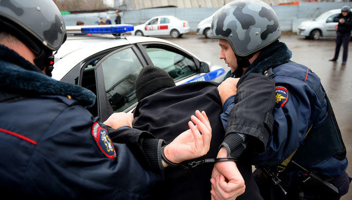Известный поролям силовиков артист  попался милиции