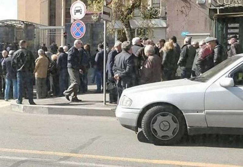 Саргсяновская Армения теряет своих граждан