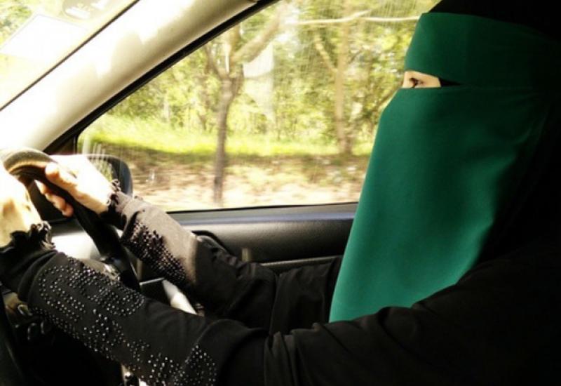 В Германии запретили вождение авто в никабе