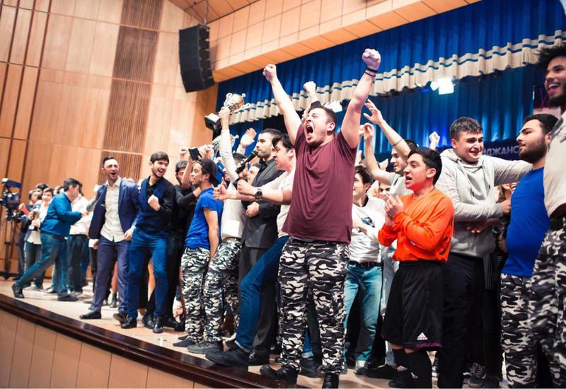 В Баку отметят всемирный праздник День смеха