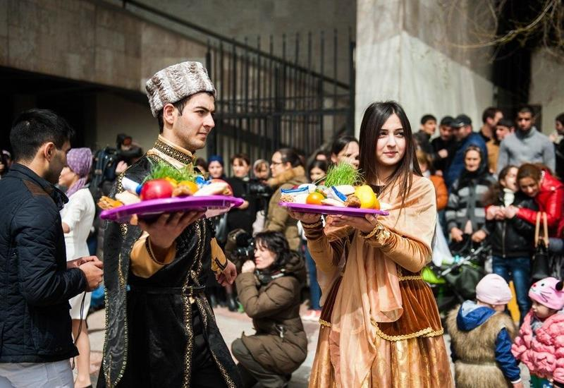 "В Москве азербайджанцы отмечают Новруз <span class=""color_red"">- ФОТО</span>"