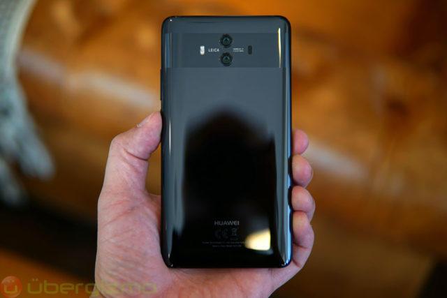 Магазины массово отказываются отпродажи всех телефонов Huawei