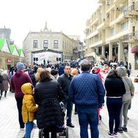 """Празднование Новруза захватило туристов в Баку <span class=""""color_red"""">- ФОТО</span>"""