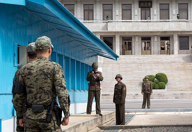 Южная Корея назвала дату и место переговоров с КНДР