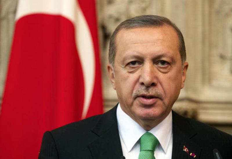 Самолет президента Турции не смог приземлиться из-за погодных условий