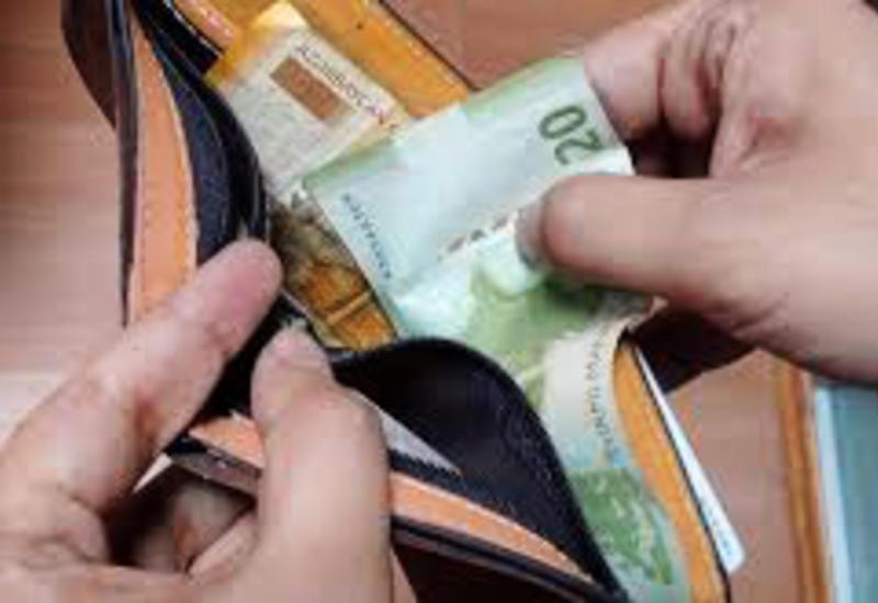В Азербайджане за финансовые нарушения оштрафованы сотни должностных лиц