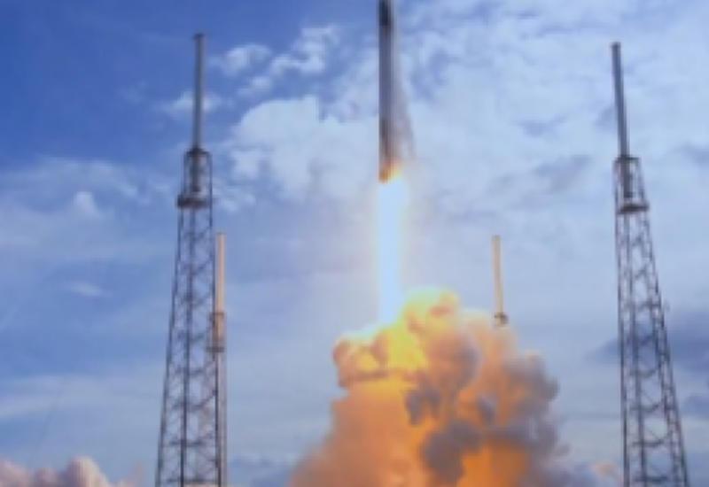Видео старта космического грузового корабля Dragon к МКС