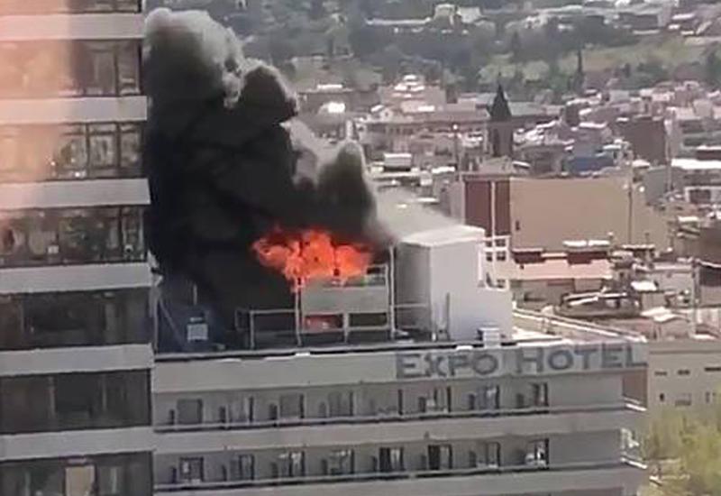 Мощный пожар охватил отель в центре Барселоны