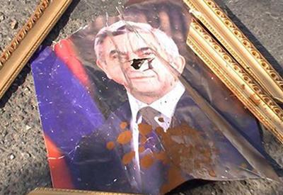 В Армении Саргсяна обвинили в госизмене