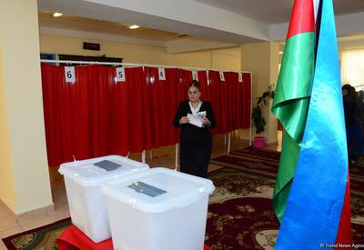 """На президентских выборах в Азербайджане проголосовали около 75% избирателей <span class=""""color_red"""">- ОБНОВЛЕНО</span>"""