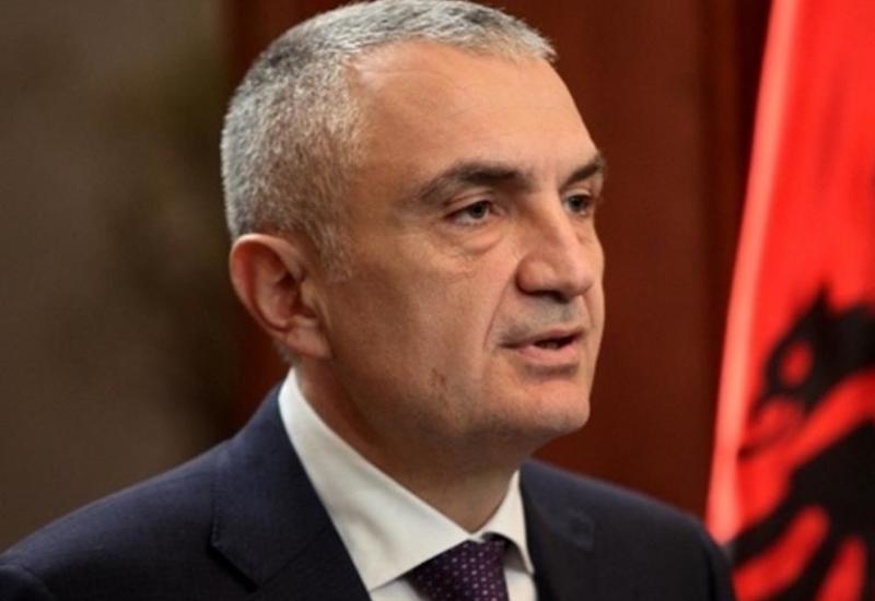 Президент Албании  поздравил Ильхама Алиева с победой на выборах