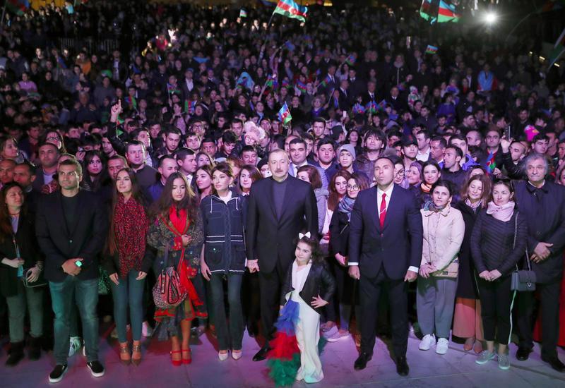 Видеоролик с концерта по случаю убедительной победы Президента Ильхама Алиева на выборах