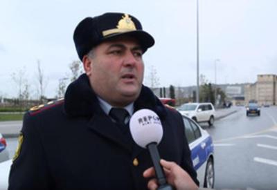 В Баку наказали начальника дорожной полиции за беззаконие в отношении туриста