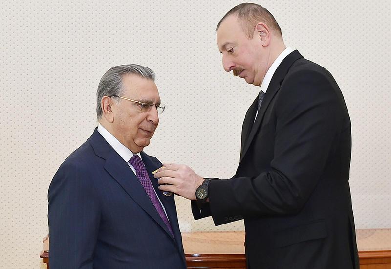 "Президент Ильхам Алиев наградил Рамиза Мехтиева орденом ""Шохрат"""