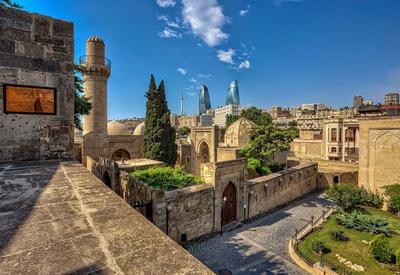 Баку входит в ТОП-3 городов СНГ для весенних путешествий