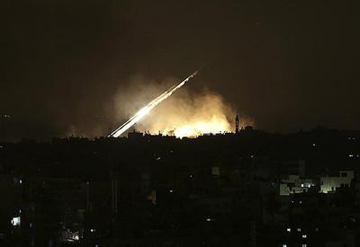 "Опубликовано видео отражения сирийской ПВО ракетной атаки на авиабазу Шайрат <span class=""color_red"">- ВИДЕО</span>"