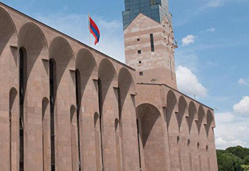 Мэр Еревана уперся - как будет выкручиваться Пашинян?