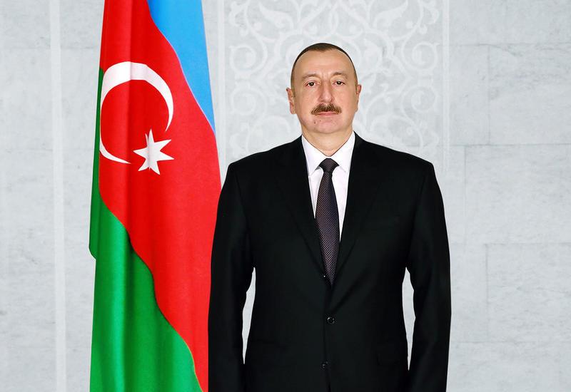 Президент Ильхам Алиев поздравил казахстанского коллегу