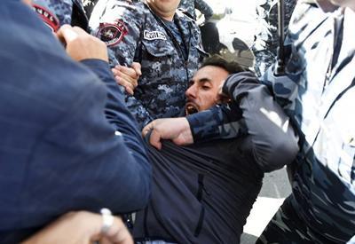 Правительство Армении своей захватнической политикой завело страну в тупик