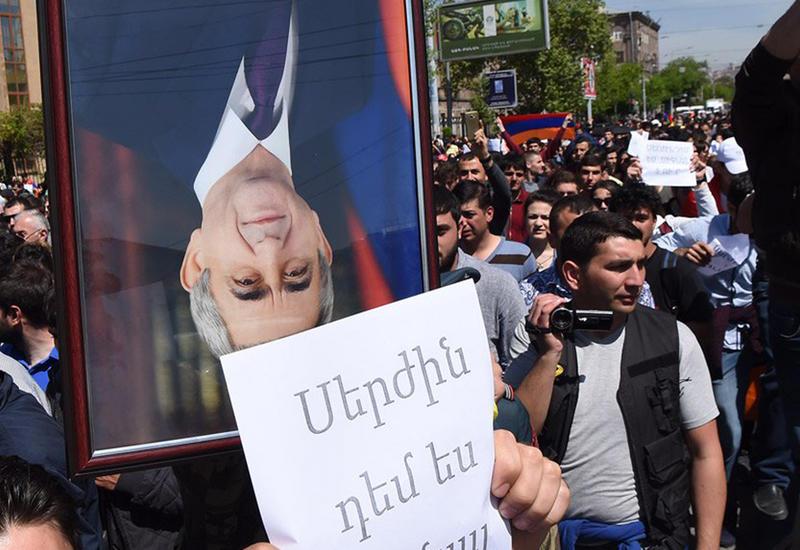Большой армянский самообман -  что оппозиции нужно требовать от Саргсяна, чтобы спасти Армению