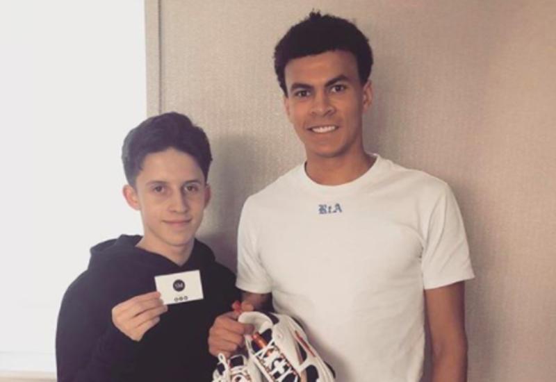 """Кто такой Сэм Морган: 17-летний парень, который одевает футболистов английской премьер-лиги <span class=""""color_red"""">- ФОТО</span>"""