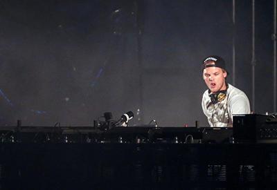 Музыканты по всему миру приносят соболезнования из-за смерти Avicii