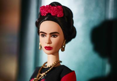 Суд запретил продажу в Мексике куклы Барби в образе Фриды Кало