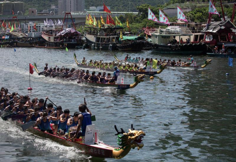 """В Китае после столкновения """"драконовых"""" лодок погибли 11 человек"""