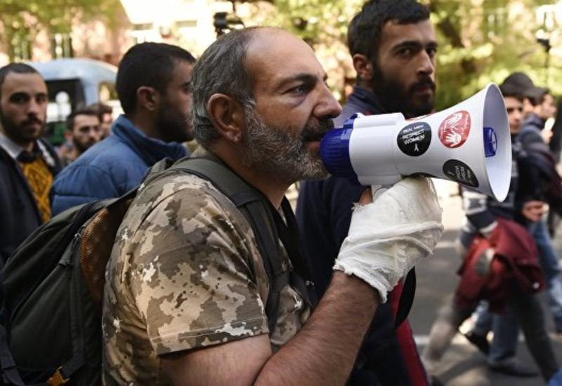 Лидер оппозиции Армении заявил, что протесты продолжатся в воскресенье
