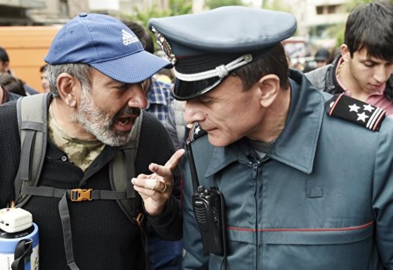 """Никол Пашинян: Темой переговоры с властями будет """"только отставка премьера"""""""