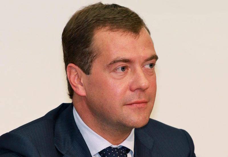 Дмитрий Медведев поздравил Новруза Мамедова с назначением на пост премьер-министра Азербайджана