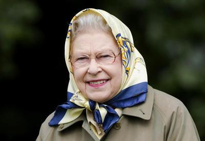 """Стинг, Том Джонс и Кайли Миноуг выступили перед Елизаветой II в её день рождения <span class=""""color_red"""">- ФОТО</span>"""