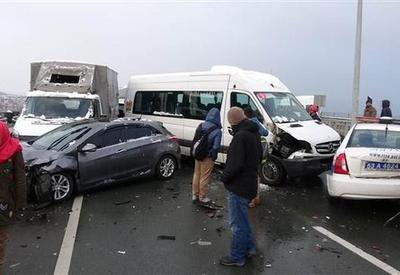 В Турции столкнулись 10 автомобилей, десятки пострадавших