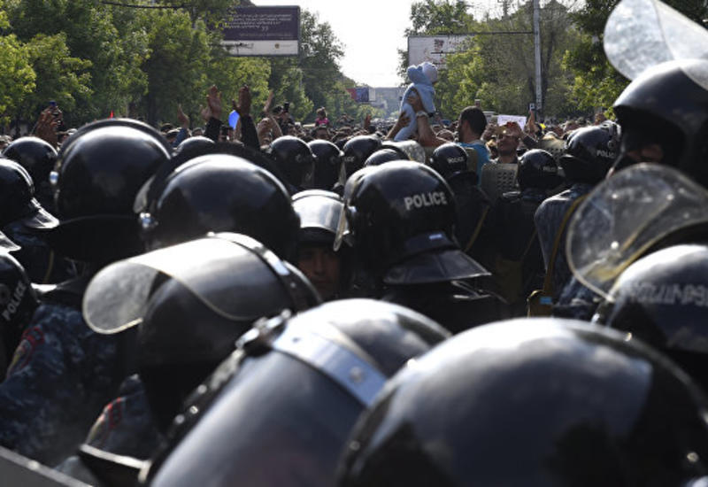 Армянские полицейские массово отказываются служить на линии фронта