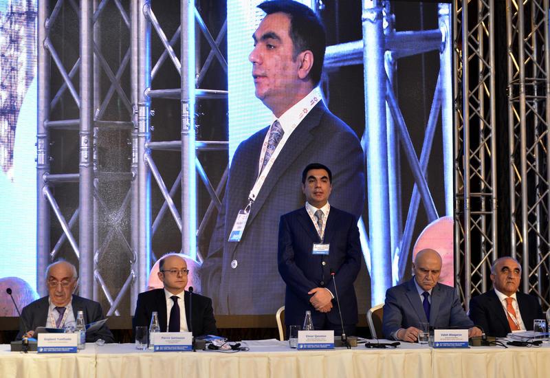 Бакинская высшая школа нефти проводит III Международный форум SOCAR