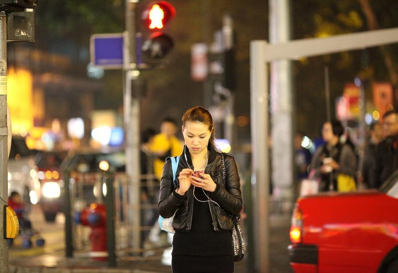 """В Китае изобрели необычный способ отучить пешеходов нарушать правила <span class=""""color_red"""">- ВИДЕО</span>"""