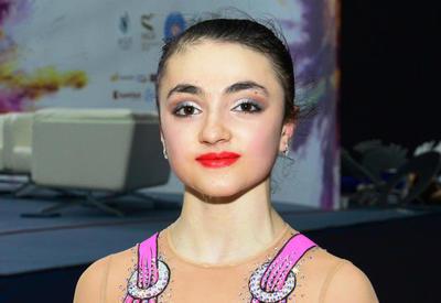 Азербайджанская гимнастка завоевала серебро AGF Junior Trophy в упражнениях с мячом