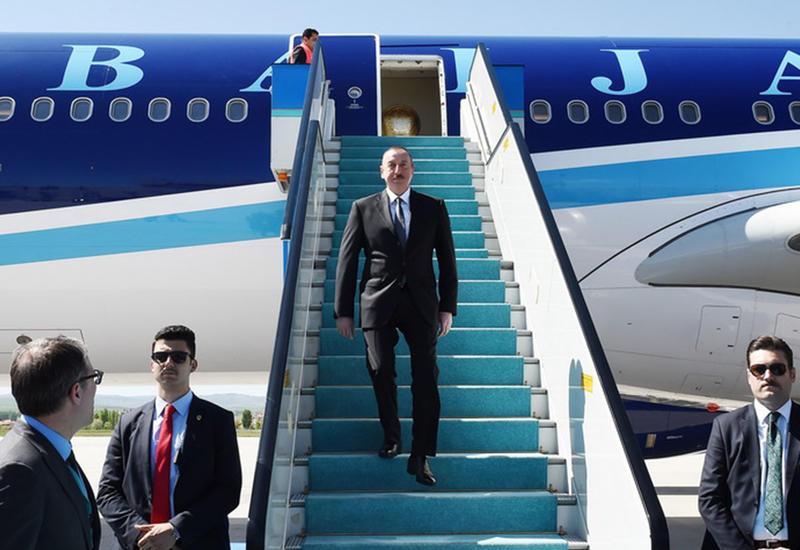 """Президент Ильхам Алиев прибыл с официальным визитом в Турцию <span class=""""color_red"""">- ФОТО</span>"""