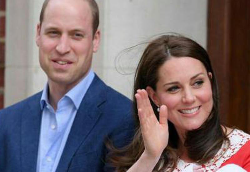 """Принц Уильям и Кейт Миддлтон показали миру новорожденного сына <span class=""""color_red"""">- ВИДЕО</span>"""