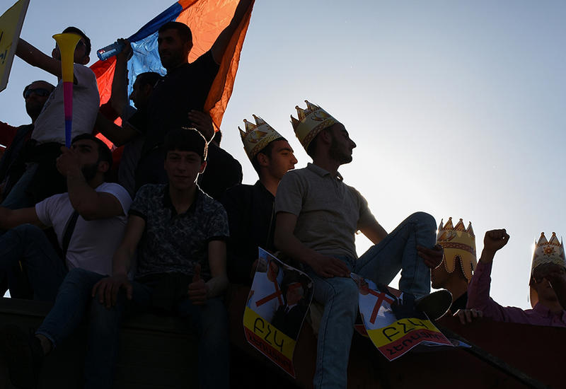 """Митинги в Ереване выходят из-под контроля Пашиняна <span class=""""color_red"""">- ПОДРОБНОСТИ</span>"""