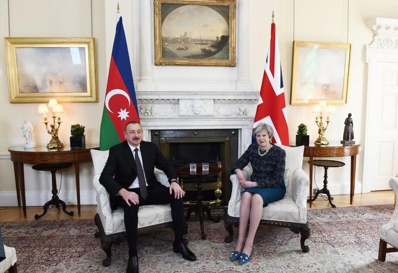 """Президент Ильхам Алиев встретился с премьер-министром Великобритании <span class=""""color_red"""">- ФОТО</span>"""