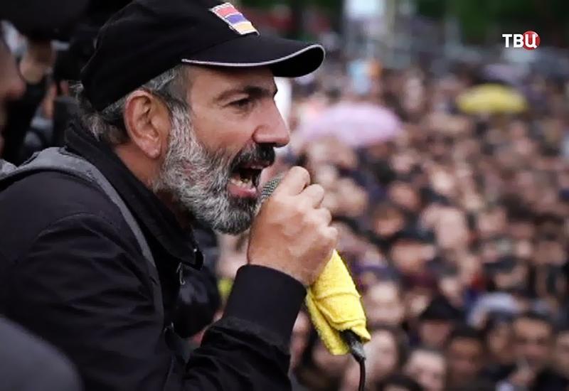 Армяне в ужасе от окружения Пашиняна