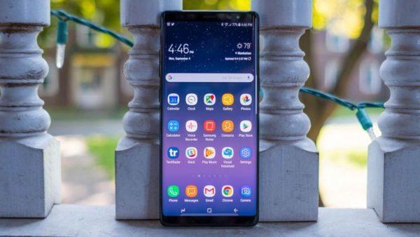 Самсунг  Galaxy J4 (2018) показался на«живых» снимках