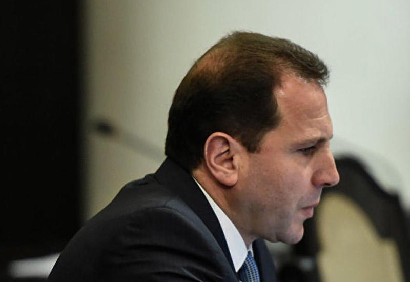 Министр обороны Армении сбежал из страны