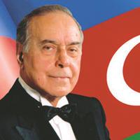 Незаменимый: Гейдар Алиев и величие Личности