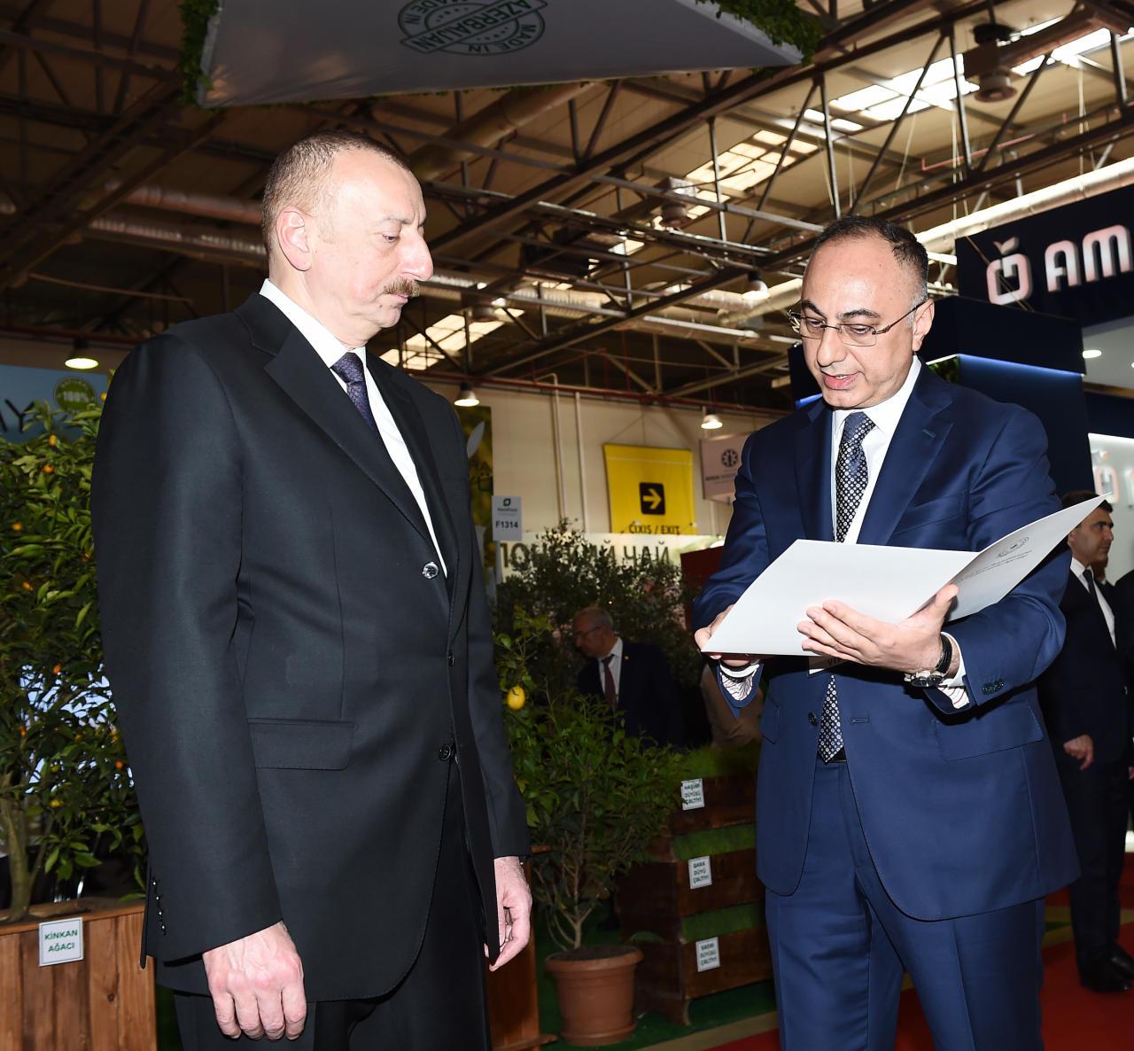Президент Ильхам Алиев ознакомился с XXIV Азербайджанской международной продовольственной выставкой - ФОТО