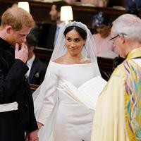 """В Сети высмеяли приглашенную на свадьбу бывшую девушку принца Гарри <span class=""""color_red"""">- ФОТО</span>"""